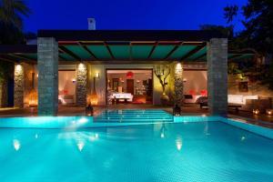 The swimming pool at or near Porto Zante Villas And Spa