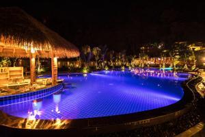 Piscina en o cerca de Phi Phi CoCo Beach Resort - SHA Plus Vaccinated