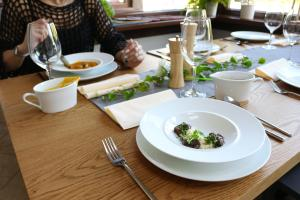 Lunch and/or dinner options available to guests at Restauracja & Hotel Punkt Widzenia