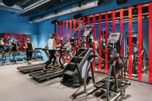 The fitness center and/or fitness facilities at The Student Hotel Amsterdam City