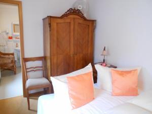 Ein Bett oder Betten in einem Zimmer der Unterkunft Antik Apartments Spreewald/Vetschau