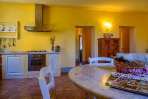 Кухня или мини-кухня в Podere Vigliano