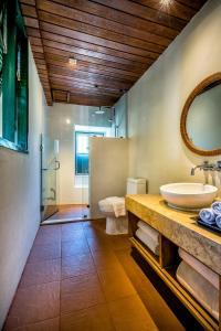 A bathroom at Aleenta Resort and Spa, Hua Hin - Pranburi