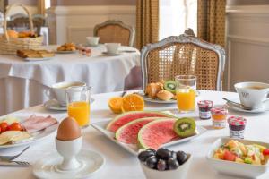Ontbijt beschikbaar voor gasten van Najeti Hôtel de la Poste