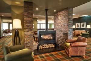 The lounge or bar area at Isle Of Mull Hotel and Spa