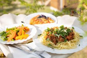 Еда / где поесть недалеко от комплекса для отдыха