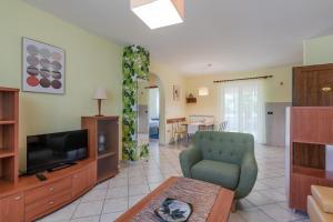 Ein Sitzbereich in der Unterkunft Apartments Brioni Colors