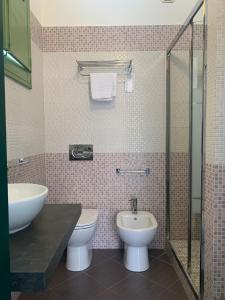 A bathroom at Hotel Posta