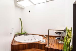 A bathroom at Hotel Spa La Casa del Rector