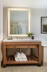 A bathroom at Chateau Elan Winery