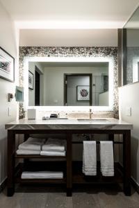 A bathroom at 7 Cedars Hotel & Casino