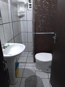 A bathroom at Vida Boa Beira Mar