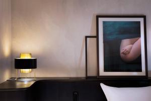 TV o dispositivi per l'intrattenimento presso Hotel Flanelles Paris