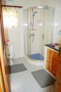 Ein Badezimmer in der Unterkunft Villa Marthe