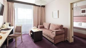 A seating area at Izmailovo Delta Hotel