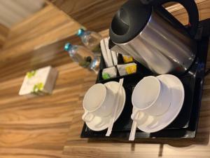 Comodidades para preparar café e chá em SAS RTL Hotel