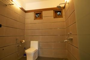 A bathroom at Dunhill Beach Resort