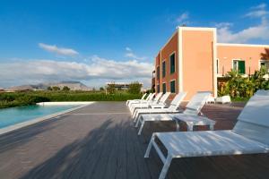 Piscina di Corte Olea Resort o nelle vicinanze