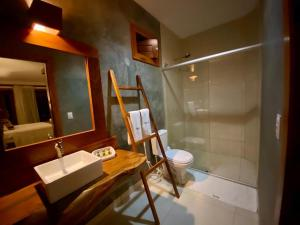 A bathroom at Hotel Casa do Mar