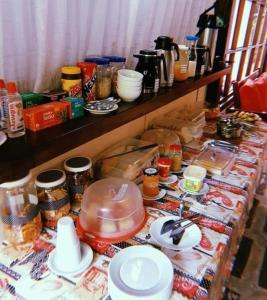 Breakfast options available to guests at Vento Sul