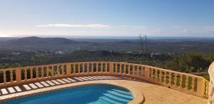A view of the pool at Quinta da Violeta or nearby