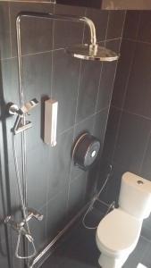 Ein Badezimmer in der Unterkunft Chic Capsule Otel