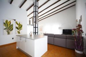Salle de bains dans l'établissement Beautiful spacious villa with heated pool and fast WiFi Lajares