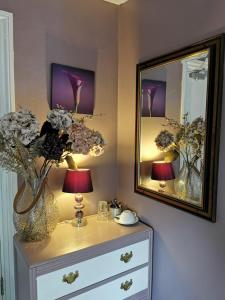 A bathroom at The Compasses Inn