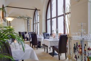 Ein Restaurant oder anderes Speiselokal in der Unterkunft Schlosshotel Fürstlich Drehna