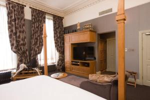 A television and/or entertainment center at Hotel du Vin Cheltenham