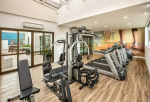 The fitness center and/or fitness facilities at Tryp São Paulo Iguatemi Hotel