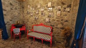 Uma área de estar em Old Town Sheki