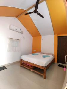 A bed or beds in a room at Avani Beach Stay