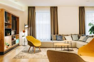 Część wypoczynkowa w obiekcie Holiday Inn Łódź, an IHG Hotel