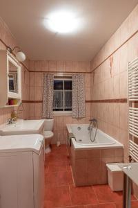 Koupelna v ubytování Chata Rychtářka