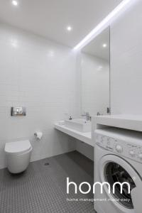 A bathroom at homm Trikoupi Residence