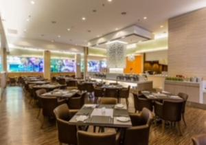 A restaurant or other place to eat at Sunway Hotel Seberang Jaya