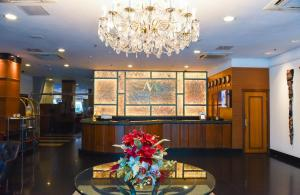 The lobby or reception area at Metropolitan Hotel