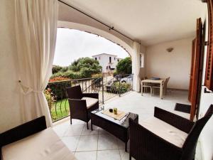 A balcony or terrace at Villetta Bouganville