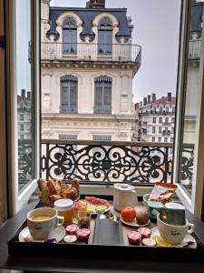 Breakfast options available to guests at Mercure Lyon Centre Beaux-Arts