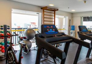 The fitness center and/or fitness facilities at Estanplaza Ibirapuera