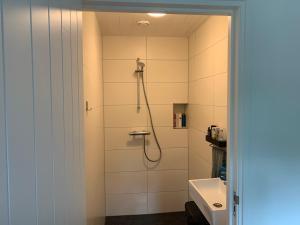 Een badkamer bij Huisje Boompje Beerze