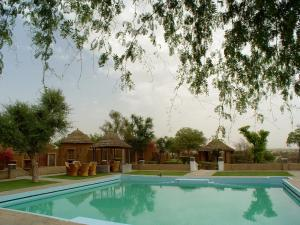 The swimming pool at or close to The Desert Resort
