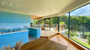 A kitchen or kitchenette at BIG4 Wye River Holiday Park