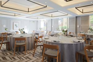 A restaurant or other place to eat at Kimpton Saint George Hotel, an IHG Hotel