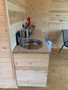 A kitchen or kitchenette at Дома на Байкале в Скандинавском стиле