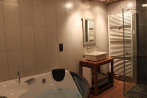 Ванная комната в B&B La Ferme de l'Apéro