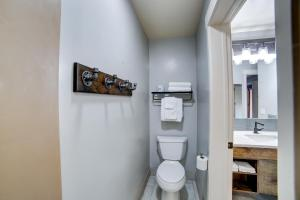 A bathroom at The Gonzo Inn