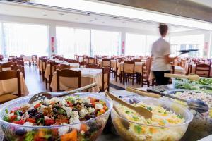 Majoituspaikan Afandou Beach Resort Hotel ravintola tai vastaava paikka