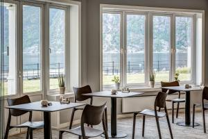 A restaurant or other place to eat at Quality Hotel Vøringfoss